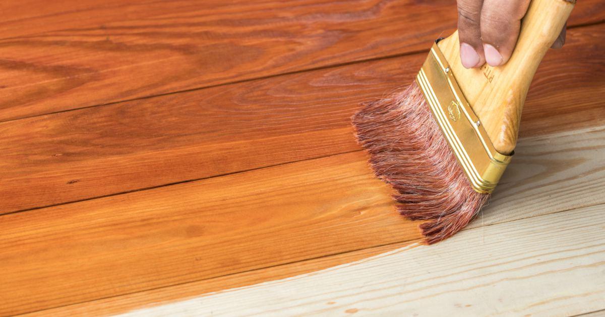 cara aplikasi wood stain dengan kuas